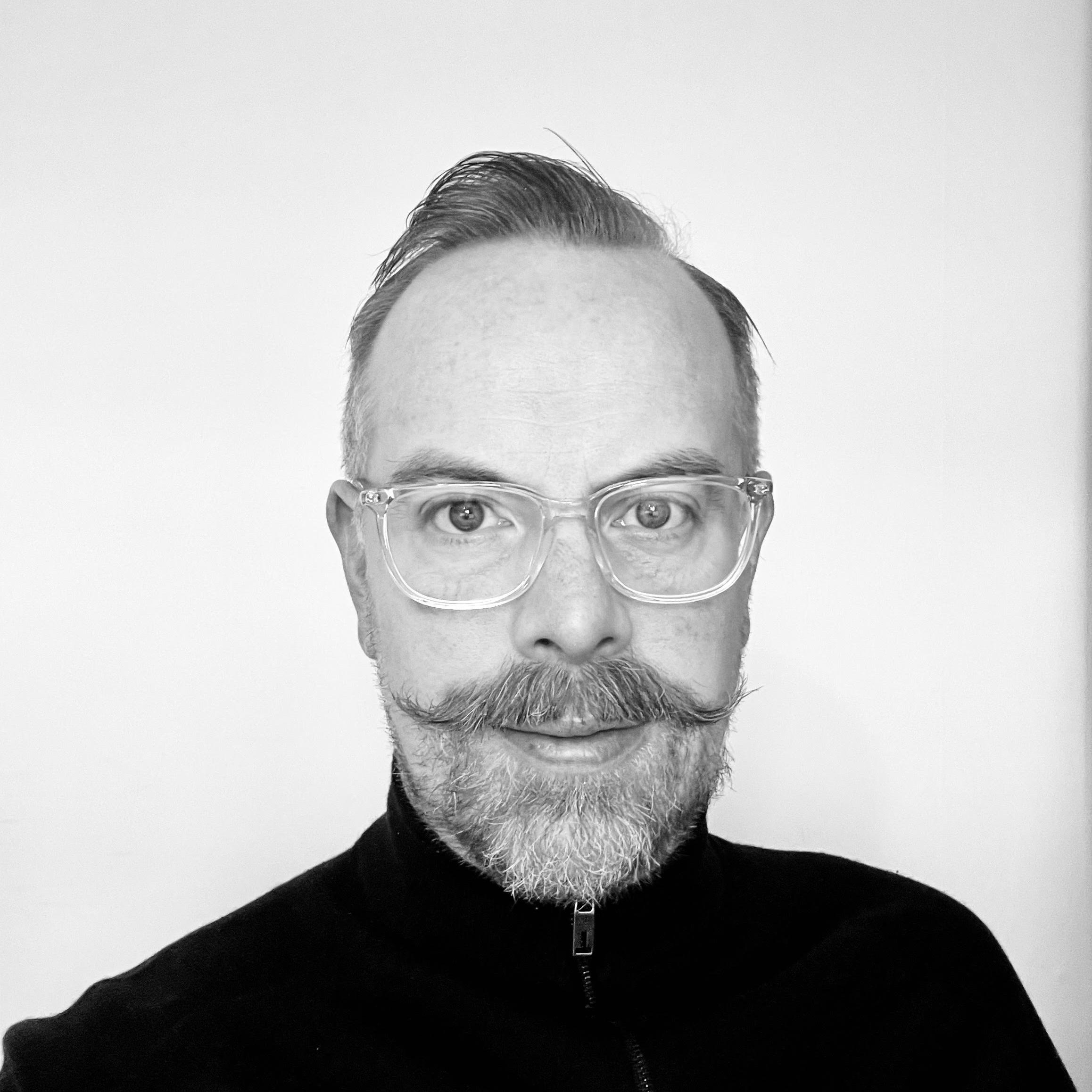 https://www.bullhorn.com/uk/wp-content/uploads/sites/2/2021/02/Alastair-3.png