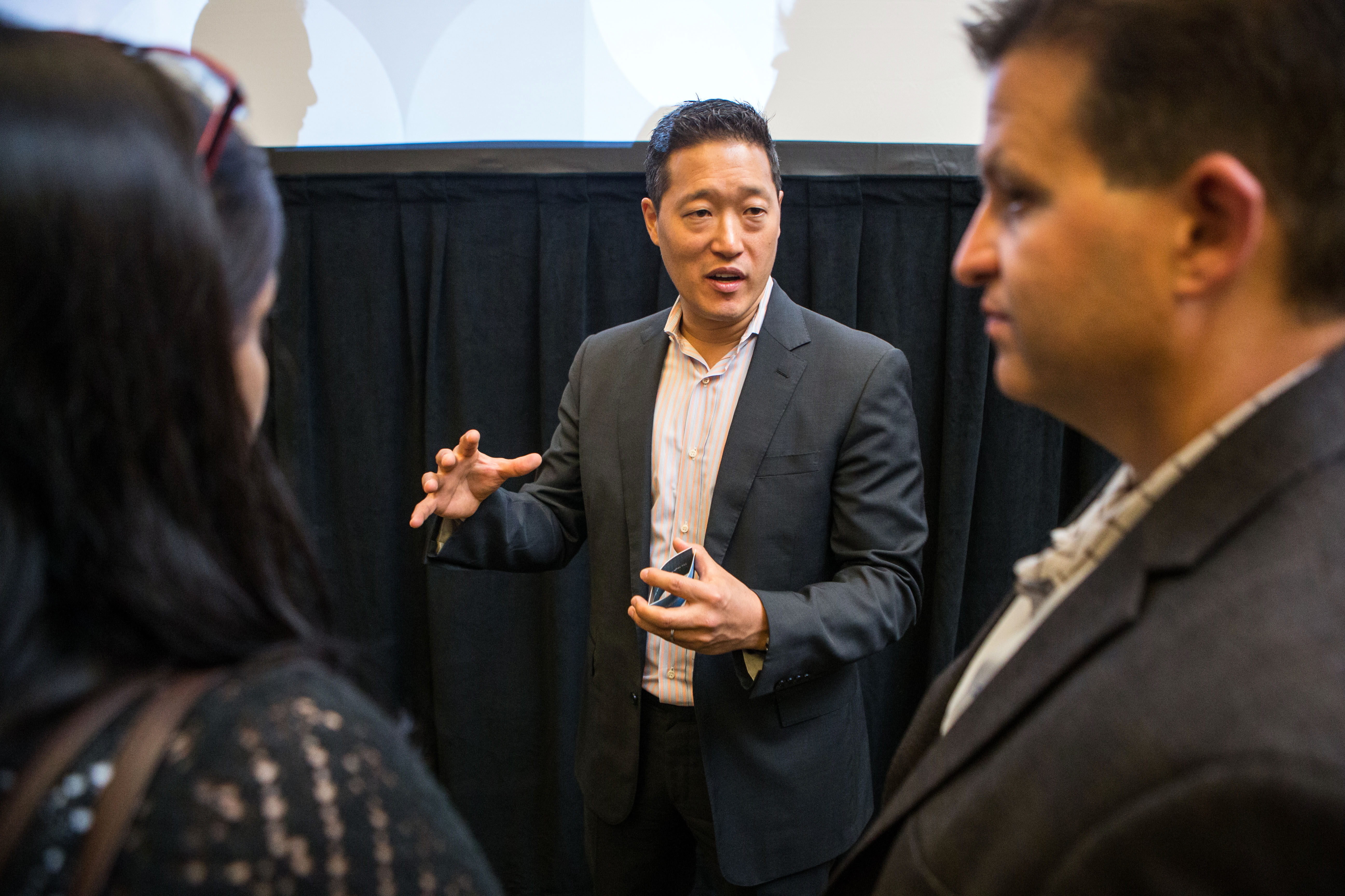 Charlie Kim WHY AND HOW DO LEADERS FAIL?